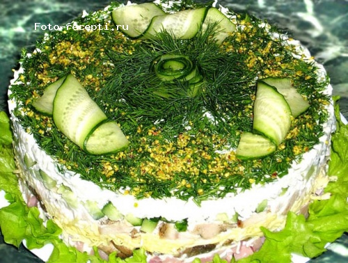 Салат индейка, ветчина, огурцы, грибы.jpg