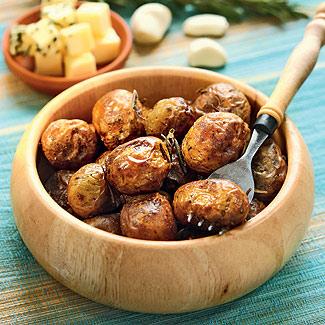 Запеченный в духовке картофель с чесноком и розмарином.jpg