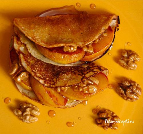 Рецепт блинчиков с айвой, медом и орехами