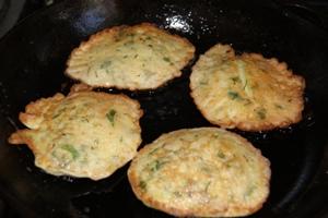 Пошаговый рецепт приготовления оладьев из кабаков