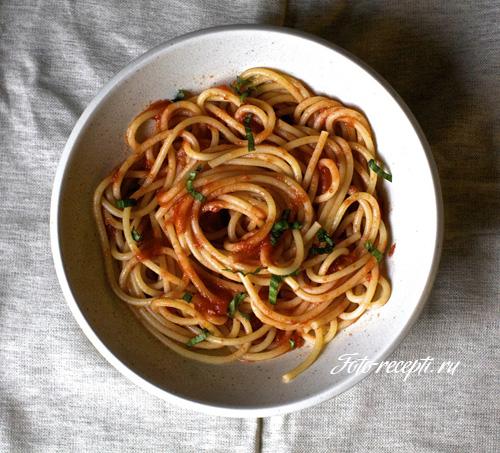 Спагетти в томатном соусе - Фото ...