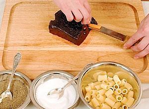 Receta del hígado con las zanahorias, el ajo y la pasta