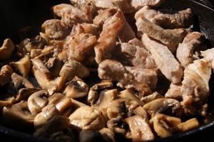 рецепт грибов в сметанном соусе фото