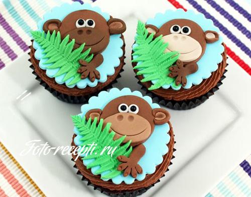 Новогодний десерт в виде обезьян