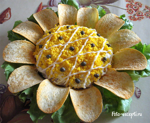 Салат Подсолнух покрытый желтками  рецепт приготовления пошаговый с фото