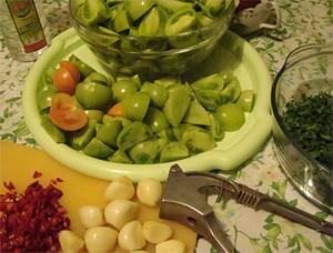Зеленые помидорки-обжорки